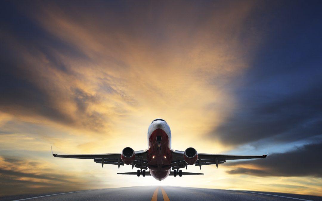 Tous les passagers du vol 2021 sont priés de se présenter immédiatement à la barrière d'embarquement 2021 !!